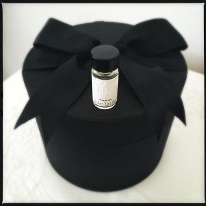 olo-violet-leather-perfume-1