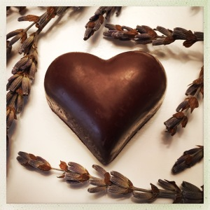 organic-vegan-chocolate-lavender-heart